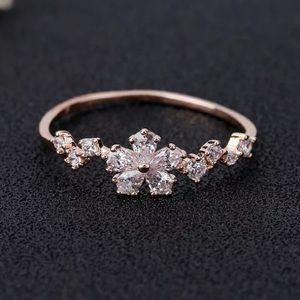 NWOT delicate flower  ring
